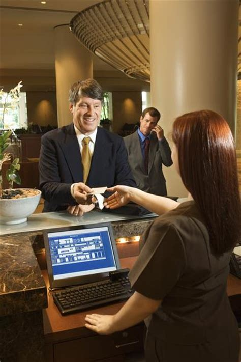hilton employee help desk who is a front office manager international hotel