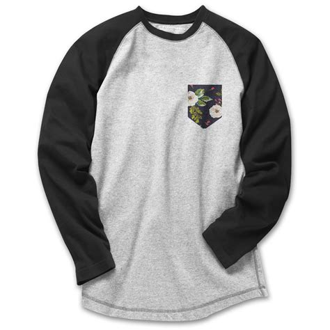 These come handy for both a designer and an apparel. Mock up Raglan Tees with Pocket (New Link) - Medusakick ...