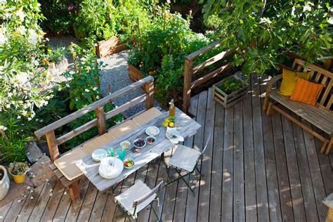 Backyard Layouts Ideas by Sunset Magazine