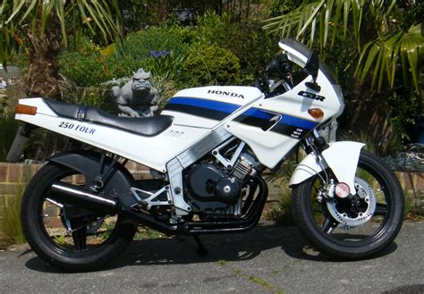 cbr bike specification 100 cbr bike specification honda cbr 150r first