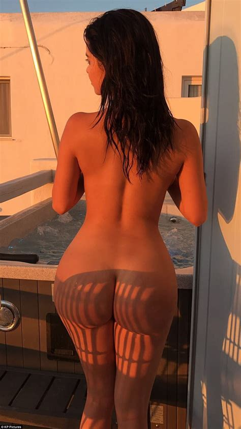 Demi Rose Suffers Nip Slip Showcasing Derriere In Greece Daily Mail Online