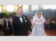 Groom surprises his bride with a neighboursthemed wedding