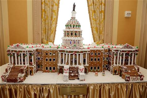 gingerbread houses white house plaza hotel