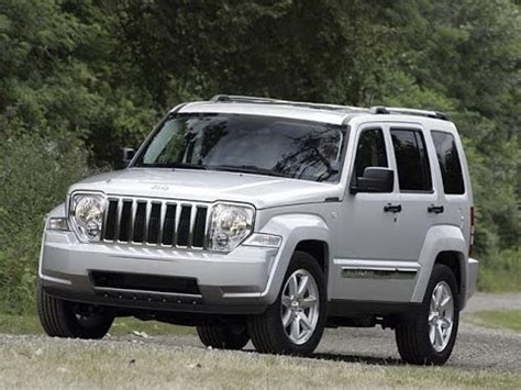 Grand V6 by Jeep Limited V6 2010 Test Auto Al D 205 A