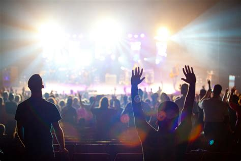 worship-millennials-youth-young-people-christians-church ...