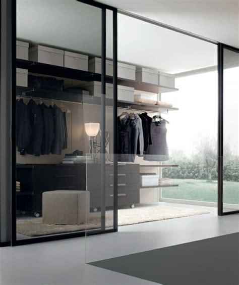 Begehbarer Kleiderschrank Mit Schiebetüren by Begehbarer Kleiderschrank Einen Ankleideraum Planen Und
