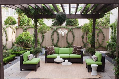 vine covered walls let you enjoy the outdoors for the best