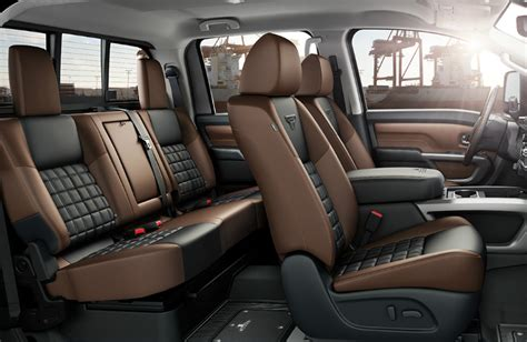 nissan titan xd platinum reserve crew cab features