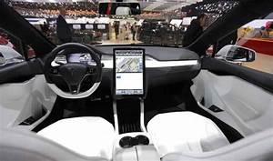 Tesla Model Y - Crossover SUV (Timeline) (InfoGraphic)