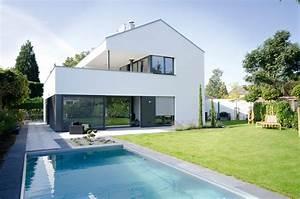 Moderne Häuser Mit Pool : einfamilienhaus in neuss architekt peter van dornick architekturb ro van dornick ~ Markanthonyermac.com Haus und Dekorationen