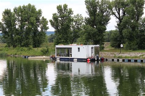 Hausboot Zum Wohnen by Hausboote 214 Sterreicher Nicht Nahe Am Wasser Gebaut