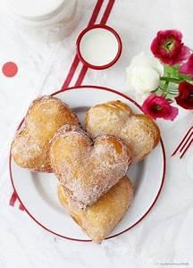 Valentinstag Kuchen In Herzform : rezept valentinstag krapfen berliner herzform kreppel gef llt zucker zimt und liebe foodblog ~ Eleganceandgraceweddings.com Haus und Dekorationen
