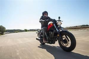 Honda Rebel 125 Vitesse Max : essai honda cmx 500 rebel jolie pour les jeunes moto magazine leader de l actualit ~ Dallasstarsshop.com Idées de Décoration