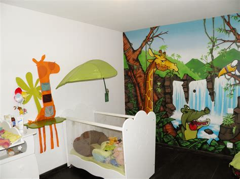 décoration chambre bebe jungle