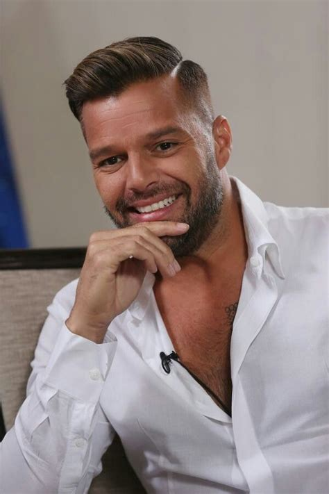 Ricky Martin shows older guys can be just as up to date as