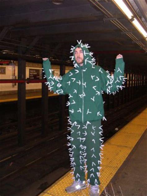 easy  minute halloween costumes   sheer genius