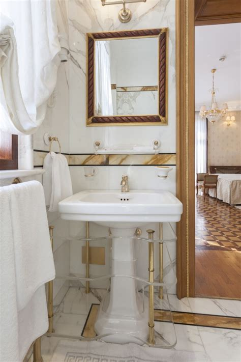 Gold Plated Bathroom Fixtures by How To Clean Gold Faucets Maintaining Gold Plated