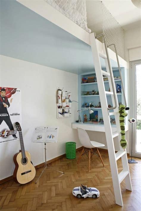 bureau chambre gar輟n comment aménager une chambre d 39 ado garçon 55 astuces en photos