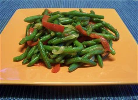 cuisiner haricot plat haricots verts aux poivrons plat du jour recettes de