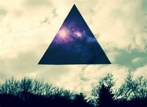 Image Gallery illuminati triangle