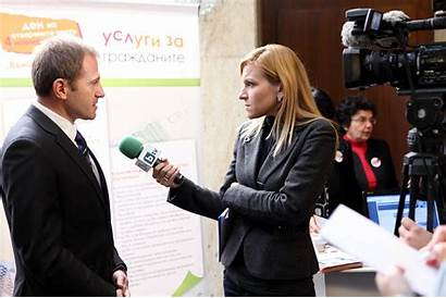 Interview Taking Interviewing Interviews Reporter Someone Student