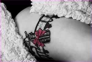 Tatouage Cuisse Jarretiere Pistolet Tattoo Art