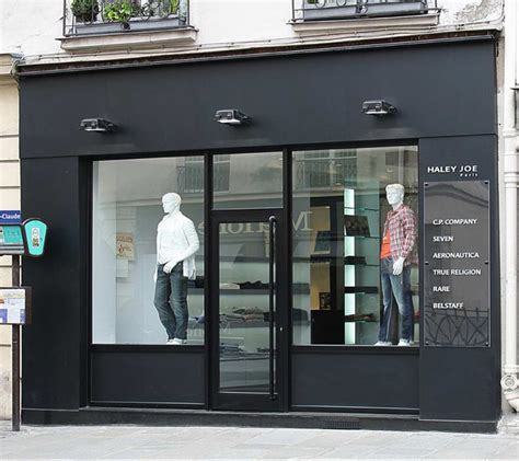 bureau magasin but façade de magasin vitrier miroiterie oise 60 tel 03