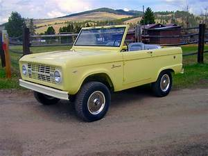 FAB WHEELS DIGEST (F.W.D.): Ford 1st Generation Bronco U13 Roadster (1966-68)