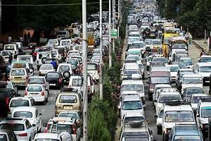 Frequent massive traffic jam irks commuters in city ...
