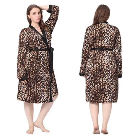 robe de chambre soie femme robe de chambre mi longue en soie léopard grande taille