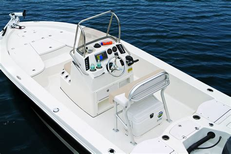Robalo Boats Europe by 2016 Robalo 206 Bay Boat Gallery