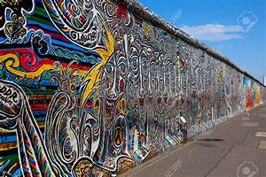 Wall art designs best berlin wall art project visit the for Berlin wall art