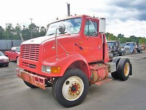 2000 International 8100 Single Axle Day Cab Tractor For
