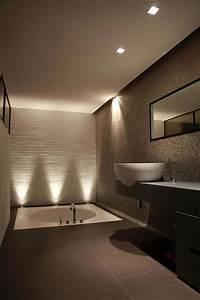 personnaliser sa salle de bain design avec un look With carrelage adhesif salle de bain avec spot led couleur