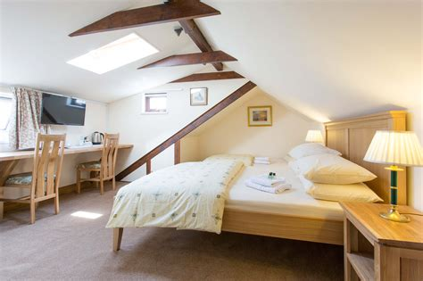 Inspiring Loft Bedroom Interior Design With Oak King Sized House Paintings Ideas Interiors What Does It Cost To Paint A Interior Sandstone Exterior Dutch Wood Floor Colour My Colors For Commercial Buildings Lowes