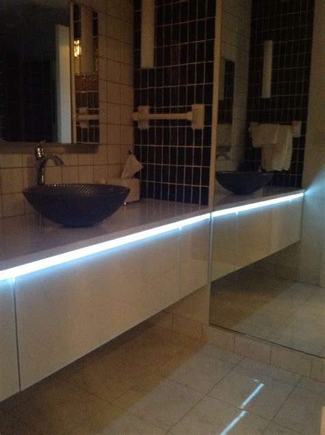 lighting mirrors vanities  color