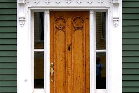 exterior entrance doors  locks  pick reports