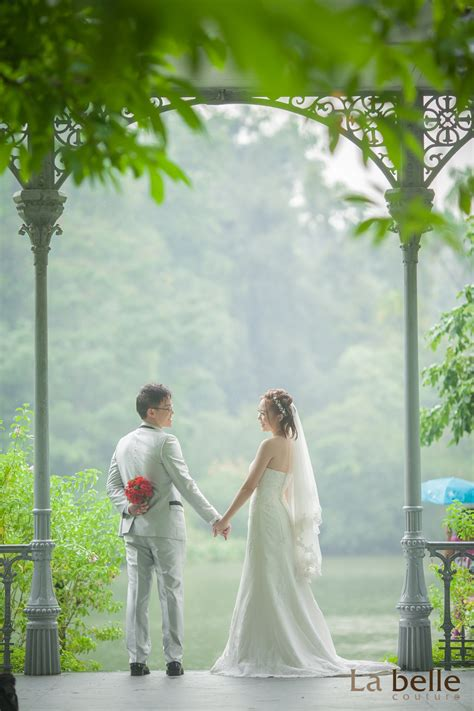 5 Basic Wedding Photography Poses That Will Grant You