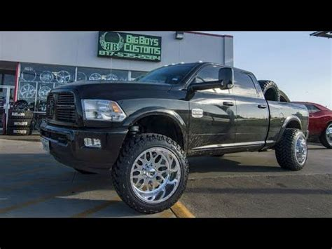 2012 RAM 2500 Cummins on 22x14 Fuel Forged Wheels, 35