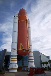 Photos: Space Shuttle Atlantis at Kennedy Space Center ...