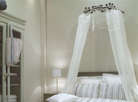 ciel de lit chambre adulte decoration chambre avec ciel de lit visuel 8