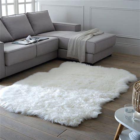 tapis poil blanc pas cher les 25 meilleures id 233 es concernant tapis de mouton sur tapis moelleux et tapis de