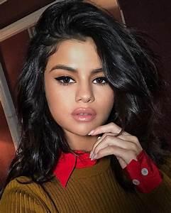 Selena Gomez's Sexiest Selfies | POPSUGAR Latina