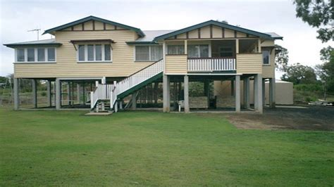 what style house do i queenslander house style bungalow style homes flood zone