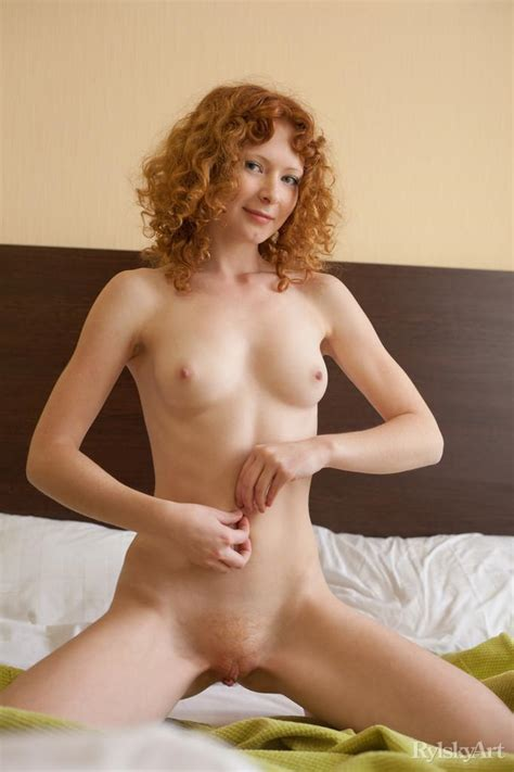 Natural Redhead Rochelle A Offers You Her Amazing Body In Bed Coed Cherry