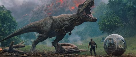 jurassic world  poster shuts   park  trailer