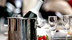 Küchenspüle Keramik Oder Edelstahl : flaschenk hler aus glas kunststoff keramik oder edelstahl ~ Markanthonyermac.com Haus und Dekorationen