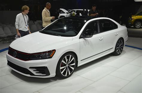 vw passat gt concept brings   potential  family sedan
