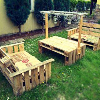 canapé avec palette bois salon de jardin en palette le guide diy ultime