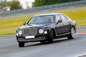 2019 Bentley Mulsanne Vs Rolls Royce Phantom Speed Price